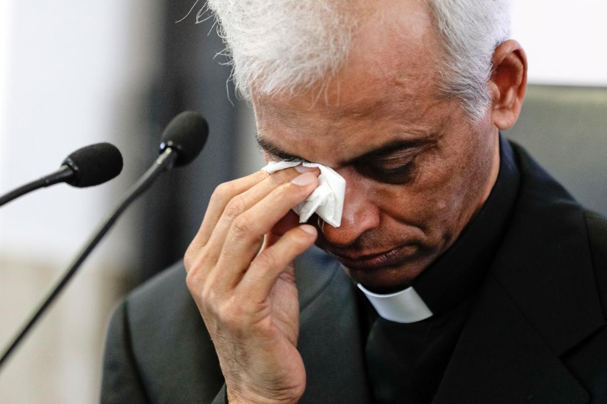 """Padre Tom: """"Lloré profundamente delante del Papa, besó mis manos dos veces"""""""