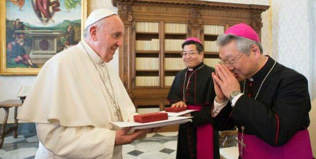 """El Papa insta a la Iglesia japonesa a """"ser sal y luz"""""""