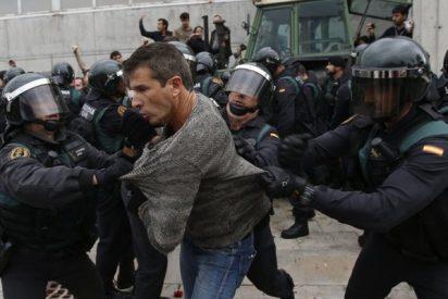 Así entró la Guardia Civil al colegio donde iba a votar Puigdemont