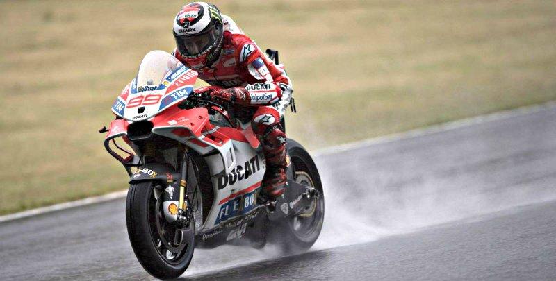 """Jorge Lorenzo: """"Si se mantiene la lluvia durante toda la carrera podremos luchar por el podio"""""""