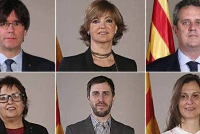 El atribulado Puigdemont huye a Bélgica a pedir asilo con cinco 'exconsellers'