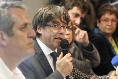 Un atolondrado Puigdemont no permite preguntas de medios españoles salvo TV3