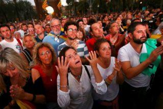 El fotógrafo que inmortalizó el ridículo de Puigdemont explica cómo consiguió las instantáneas