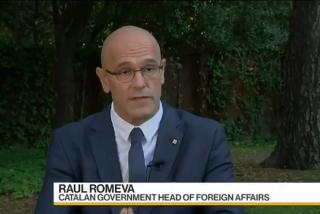 La periodista de 'Bloomberg' que deja en pelotas a Romeva por revestir el 'Catalexit'