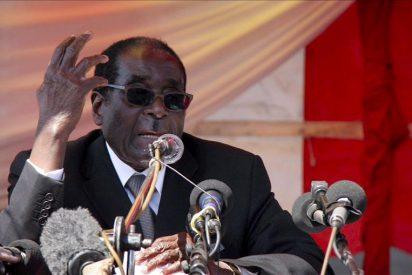 La OMS rectifica y le quita el puesto de 'embajador' al dictador Mugabe