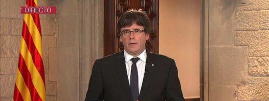 """Puigdemont se empecina en sus desquiciados planes y carga contra el Rey: """"Así no"""""""