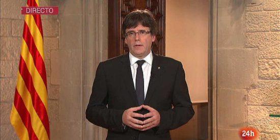 Puigdemont se empecina en sus desquiciados planes y carga contra el Rey: