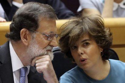 Rajoy delega en Soraya las funciones de la presidencia del Govern y los ministros asumen el resto de consejerías