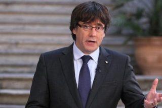 Un compungido Puigdemont usa TV3 para anunciar que no se da por destituido y mantiene el pulso a Rajoy