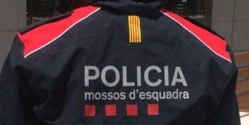 Un mosso dimite por la 'vergüenza' que le hacen sentir Puigdemont, Trapero y los golpistas