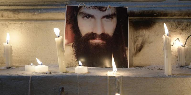 El activista Santiago Maldonado murió ahogado y su cuerpo llevaba más de 60 días en el agua