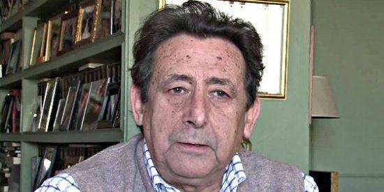Alfonso Ussía retoma su tribuna en La Razón despellejando a Roures, a Florentino Pérez y dejando un recadito a Vozpópuli