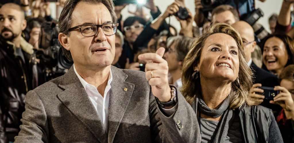¿De dónde ha sacado Artur Mas el dinero para pagar 2.2 millones de euros al Tribunal de Cuentas?