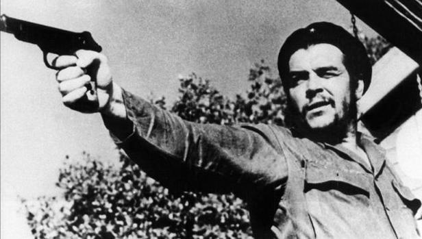 Jacobo Machover, el escritor cubano que califica de asesino a Che Guevara