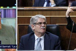 """El abismal porrazo de Juan Manuel de Prada a los """"inútiles"""" Dastis, Soraya y todo el que rodea a Rajoy"""