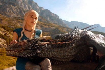 Amenaza a los vecinos con reventar lo que pasa con los dragones, si vuelven a poner alta la tele durante Juego de Tronos