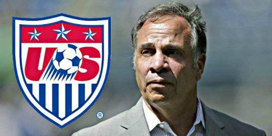 Bruce Arena renuncia como seleccionador estadounidense al no conseguir la clasificación para el Mundial