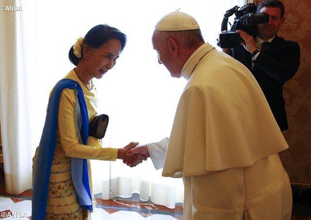 Myanmar espera 300.000 fieles en la misa del Papa en Yangon