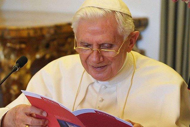 Gänswein desmiente los rumores sobre la salud de Benedicto XVI