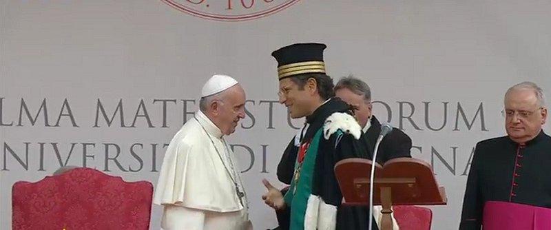 El Papa pide a los universitarios de Bolonia luchar por el derecho a la cultura, a la esperanza y a la paz