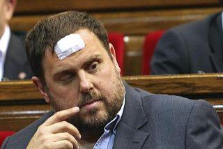 """El extraño """"trabajo"""" de Puigdemont en Bruselas que hace mirar hacia otra parte a Junqueras"""
