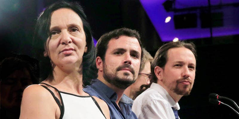 El conflicto catalán ofrece en su calamidad un beneficio: arrastra a Podemos al suicidio político