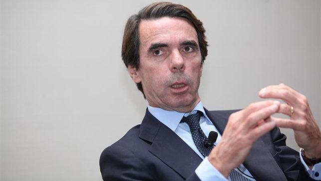 Aznar insta a Rajoy a convocar elecciones generales si se ve 'incapaz' de frenar la crisis catalana
