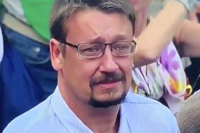 El podemita Domènech llora como un niño lo que no ha sabido defender como político