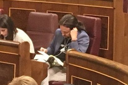 El tremendo 'palizón a trabajar' que se lleva Pablo Iglesias en el Congreso...