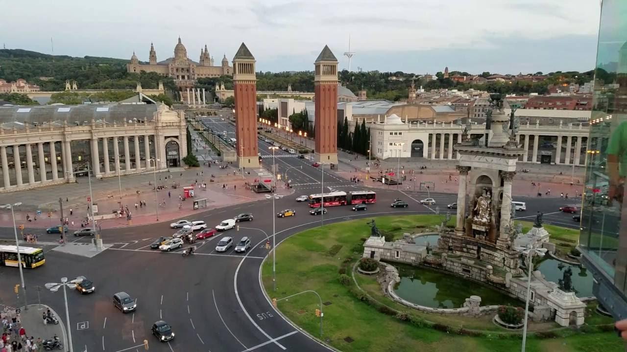 Hacker cambia el nombre a la Plaza de España de Barcelona por el de Plaza del 1 de octubre