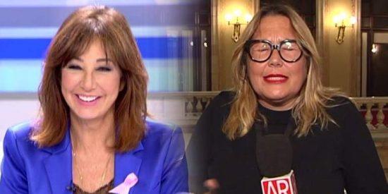 Ana Rosa se cachondea de Mayka Navarro pillada con un micro abierto
