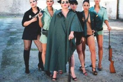 La 'traidora' cupista a la que descubren un calendario sexy posando como Guardia Civil en 2015