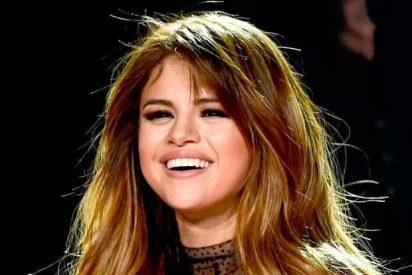 [VIDEO] Esta es la doble de Selena Gomez que podría ser censurada en las redes sociales