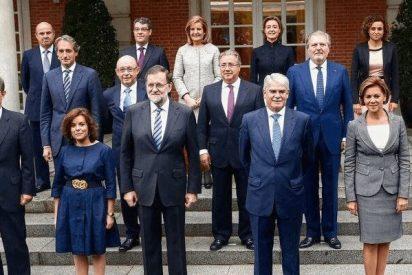 Les pedirán el pasaporte en El Prat y aún estarán esperando a averiguar las intenciones de Puigdemont