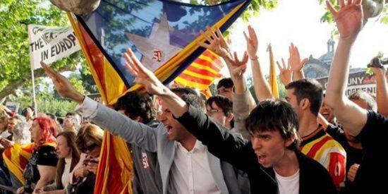 """Antonio Burgos se descojona de los separatistas: """"Este 1-O han venido a emborracharse y el resultado les da igual"""""""