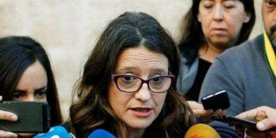 """El 'calvario' de Mónica Oltra: se queja porque los """"fascistas"""" le pusieron a Manolo Escobar"""