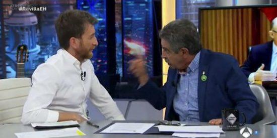 El 'vende anchoas' Revilla encuentra a su culpable de la crisis catalana... y no es Puigdemont