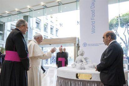 El Papa inaugura en la sede de la FAO una estatua en recuerdo de Aylan