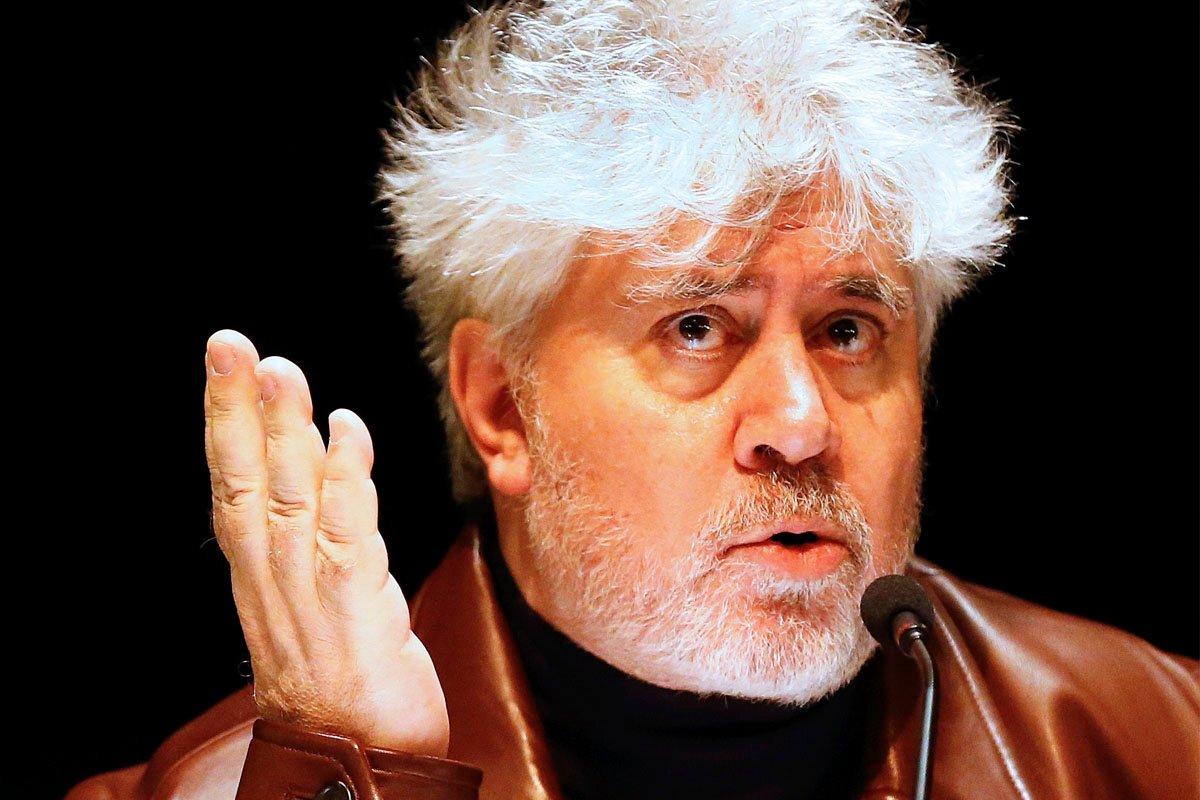 'The Guardian' compara la tragicomedia de Cataluña con el cine desquiciado de Almodóvar
