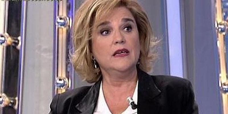 La fanática Pilar Rahola califica en Twitter a Mariano Rajoy de 'dinamitero'