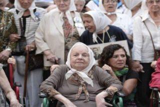 El Papa saludó a las Madres de Mayo