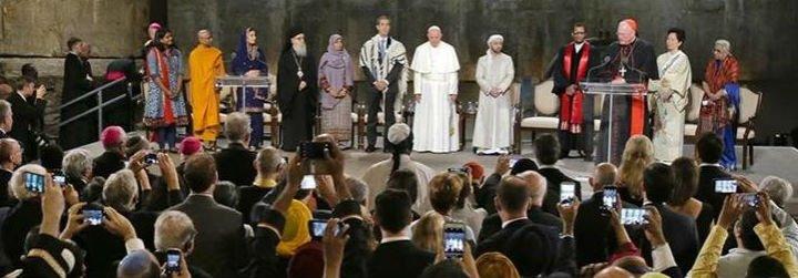 """Francisco: """"Las religiones no pueden tener una actitud neutra o ambigua frente a la paz"""""""