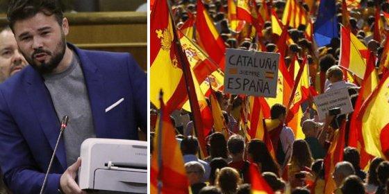 Ensalada de bastonazos al rabioso bufón de ERC por patalear ante el éxito de los constitucionalistas en Barcelona