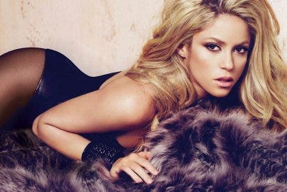 [VÍDEO] Así pone Shakira en peligro su vida al cometer otra ilegalidad vial
