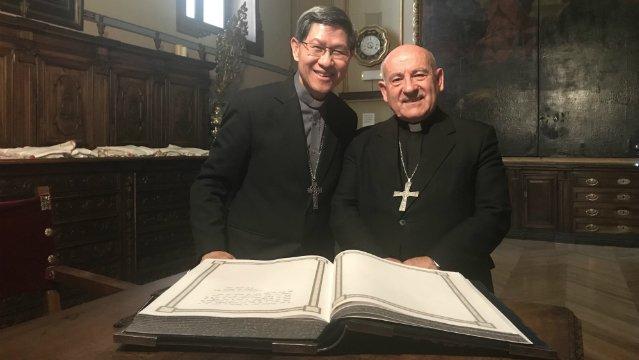 El cardenal Tagle peregrina hasta la basílica del Pilar