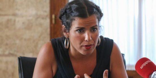 El escarmiento de la podemita Teresa Rodríguez al empresario que simuló besarla