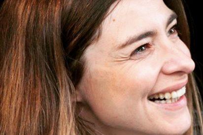 """El cabreo monumental de Sandra Barneda con un usuario que la llama """"fea"""" y """"vieja"""""""