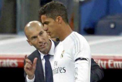 Varane considera que Zidane podría dirigir una selección