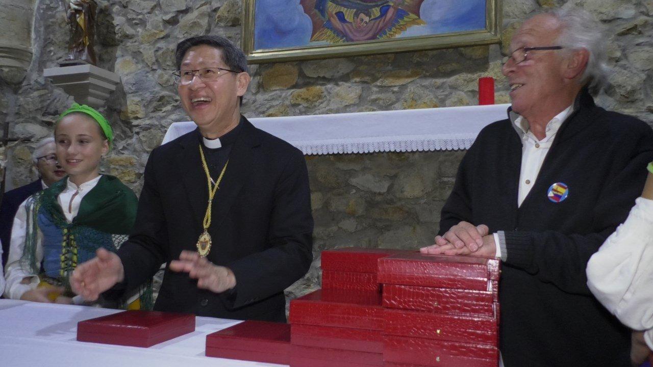 Bienvenido a Tagle, cardenal Tagle y famila