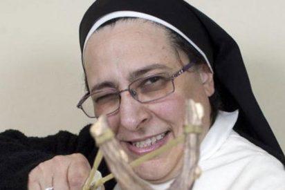 La irreverente Sor Lucía Caram se hace de cruces ante las pecadoras Rahola y Raskolnik